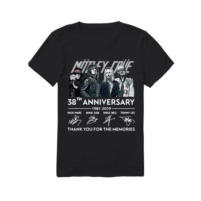 38th Anniversary Mötley Crüe 1981-2019 V-neck T-shirt