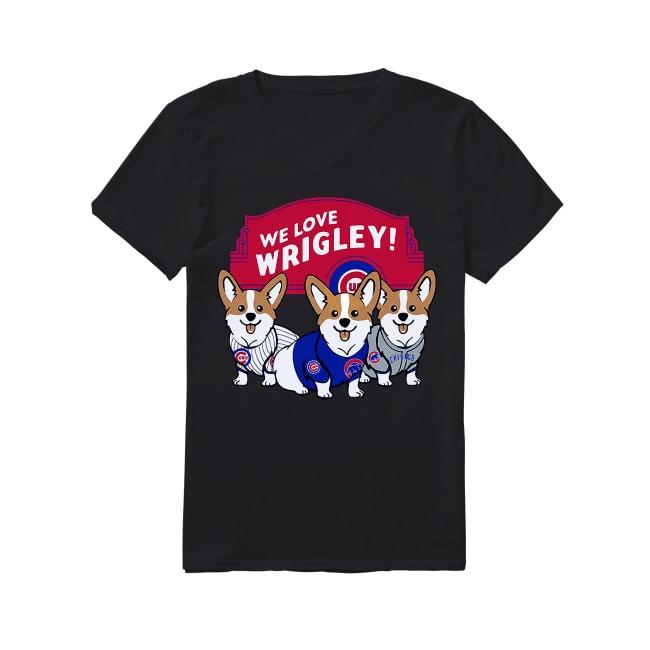 Dog Pembroke Welsh Corgi and Chicago Cubs Baseball V-neck T-shirt