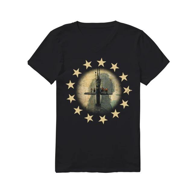 Veterans United States Navy and Betsy Ross flag V-neck T-shirt